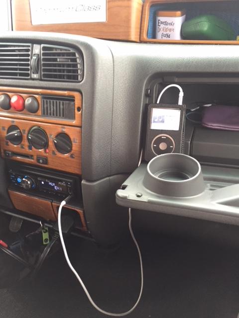 radio aux